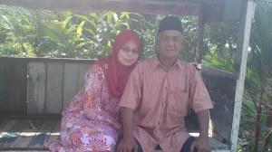 Bersama Abah tercinta En. Mohd Othman bin Marjiki